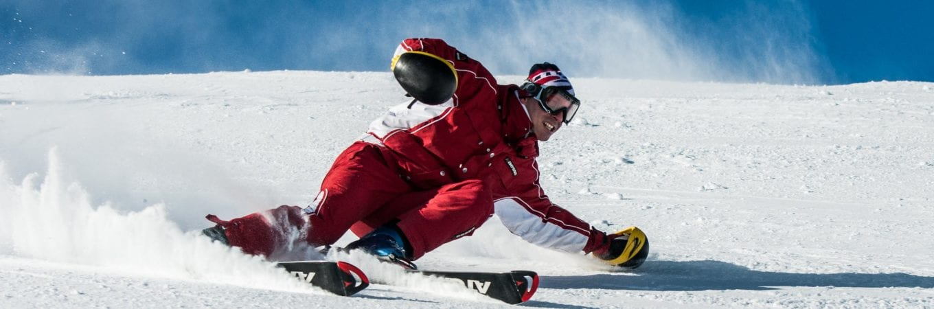 Preventing Knee Injuries While Skiing: 10 Top Tips