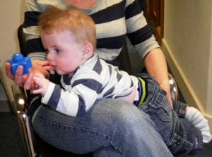 Plagiocephaly treatment without a helmet